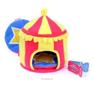 Haypigs Circus Hidey Hut